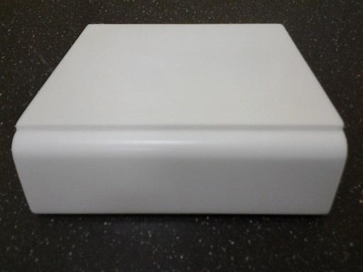 Подоконник из искусственного камня белый
